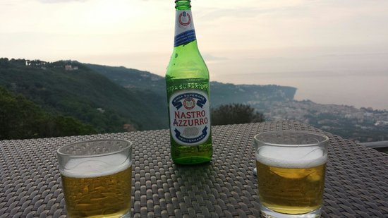 Hotel Prestige Sorrento: Sunset with a beer on rooftop