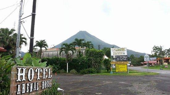 Hotel Arenal Rossi: Vista desde Recepción
