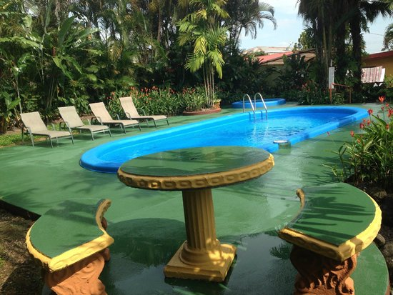 Hotel Arenal Rossi : Piscina