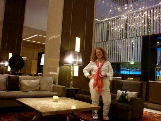 Eastin Grand Hotel Sathorn: Ali en el hall de ingreso del Eastin