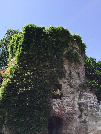 Usk Castle: 12th century