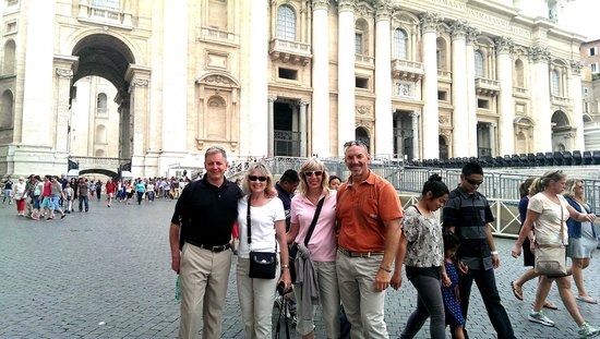 Private Tours of Rome - Vatican, Sistine Chapel and Colosseum Tours : St. Peter's Square