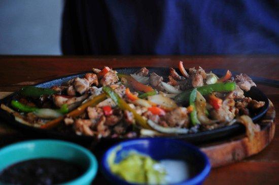 Chinchillas Mexican Restaurant & Bar : Fajitas