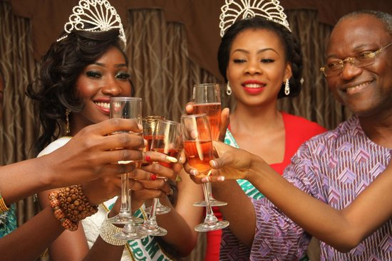 Citilodge Hotel: Champagne party toast