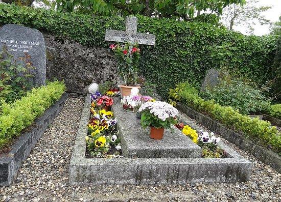 Audrey Hepburn Cemetary : オードリーの墓