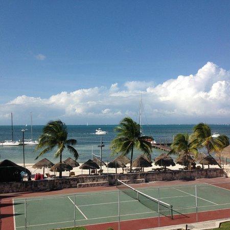 Ocean Spa Hotel: Vista do apartamento para a praia.
