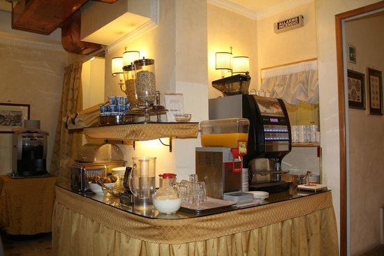Condotti Hotel : Café da manhã no Hotel