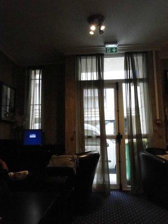 Timhotel Tour Eiffel: Hall