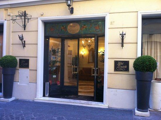 Condotti Hotel: Porta de entrada Hotel Condotti