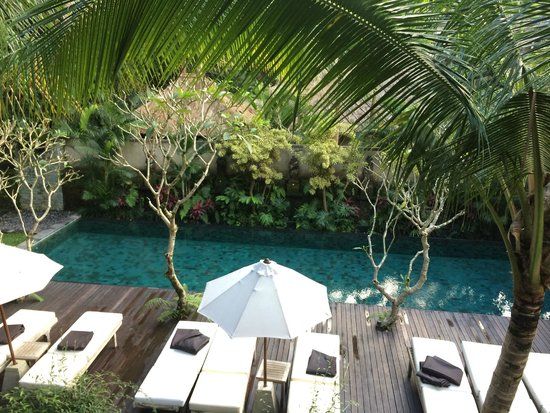 Puri Sunia Resort: View of the pool