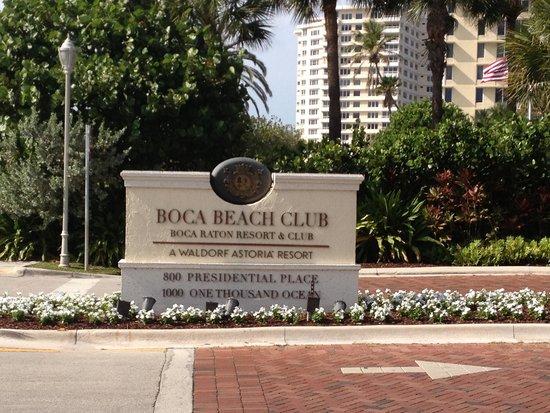 Boca Beach Club, A Waldorf Astoria Resort: Entrada do hotel