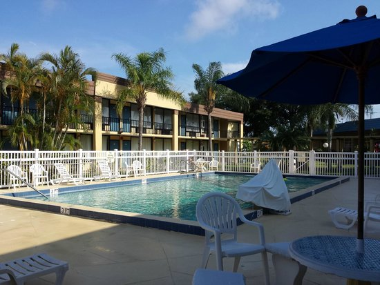 BEST WESTERN Cocoa Inn: Pool