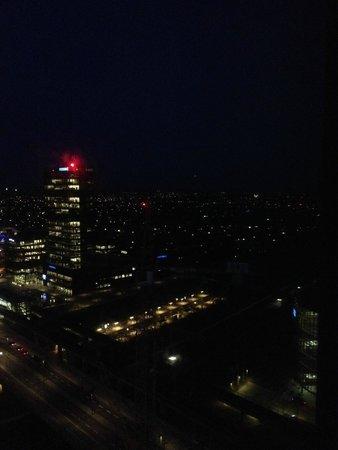 Crowne Plaza Copenhagen Towers: vista noturna