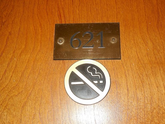 Great Bay Beach Resort, Casino & Spa : Non-smoking rooms available! Hooray!