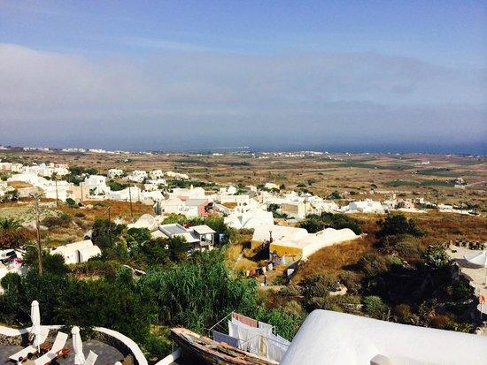Finikia Restaurant: Breakfast view