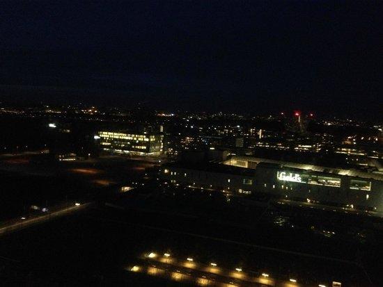 Crowne Plaza Copenhagen Towers: noturna