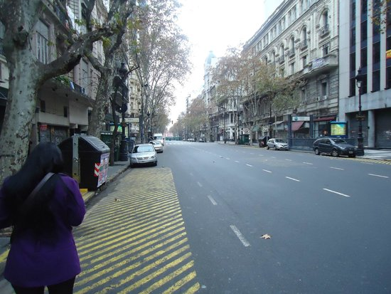 Gran Hotel Hispano: Em frente ao hotel