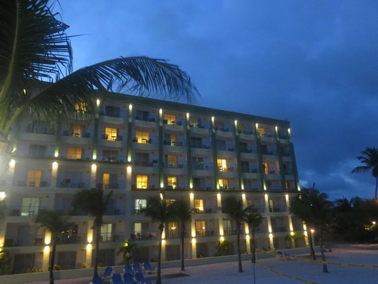 Great Bay Beach Resort, Casino & Spa: THIS is the side you MUST book on! Great Bay view!