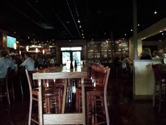 Bonefish Grill: Dining room