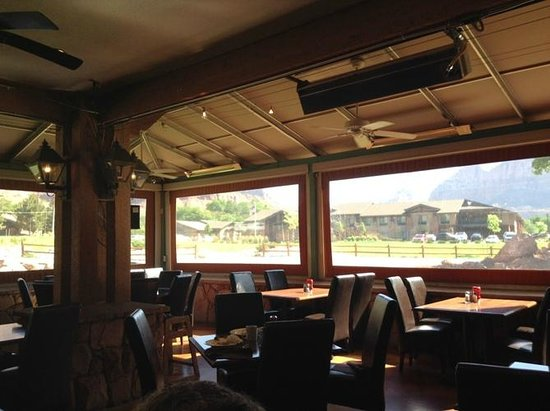 SWITCHBACK GRILLE & TRADING COMPANY : Bright, clean restaurant