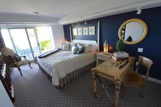 Island View Inn: Puffin Suite bedroom