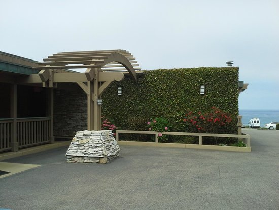 Little Sur Inn: Main entry to office area