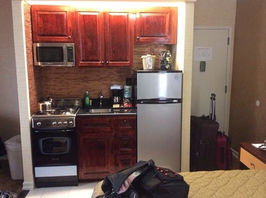 Radio City Apartments Kitchenette