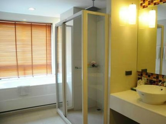 Sathorn Grace Serviced Residence: Bathroom