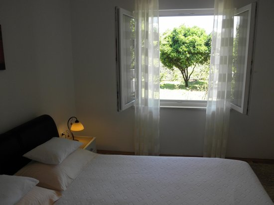 Green Park Apartments: Double room