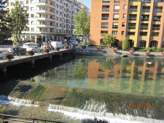 Ibis Annecy Centre Vieille Ville : Vista do apartamento