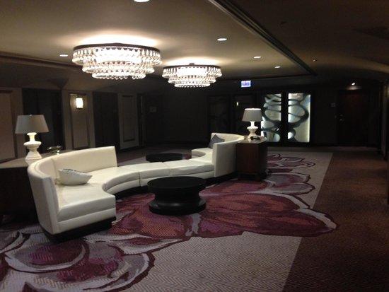 Hilton Chicago: Updated floor