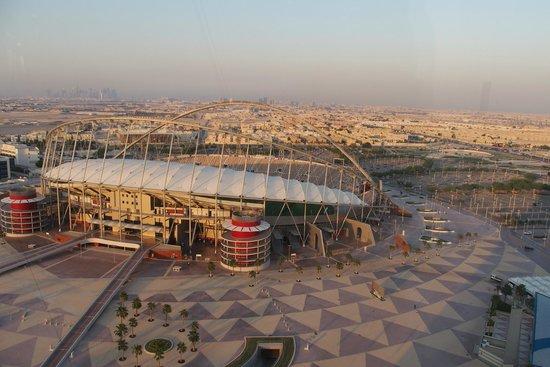 Parc Aspire : Vista do Khalifa Stadium e Aspire Zone