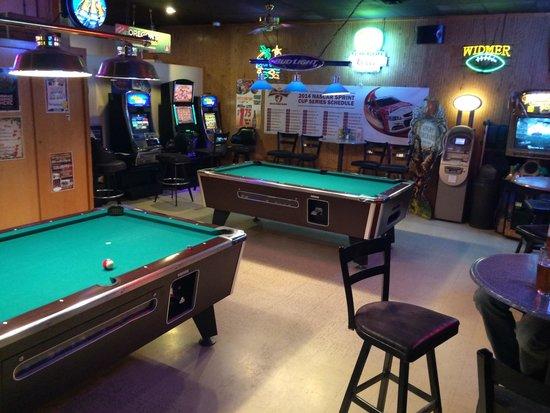 Prairie Schooner Tavern: Pool Table Area