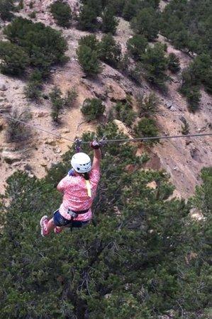 Captain Zipline : Zipping across the canyon!