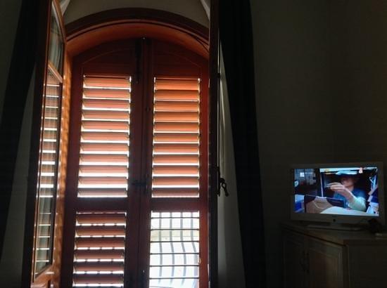 ApartHotel Kalaskisò : Темная комната 201