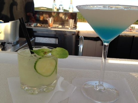 The Cove Eleuthera : Different specials every night at the bar