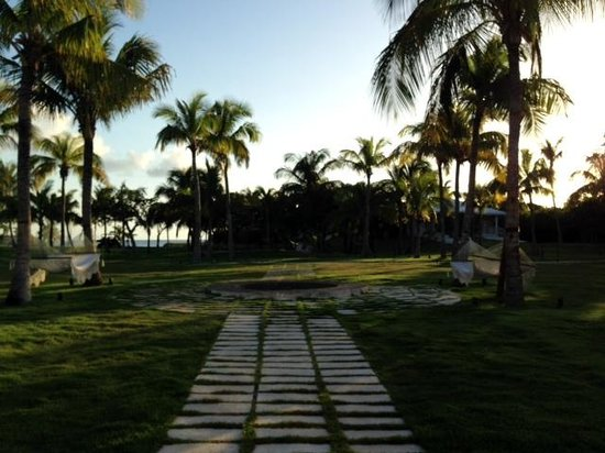 The Cove Eleuthera: A walkway between some of the rooms and the main building