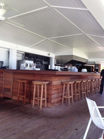 The Cove Eleuthera: The outside restaurant where you can enjoy lunch specials