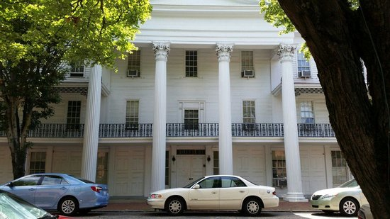 Old Salem Museums & Gardens: Gorgeous historical place