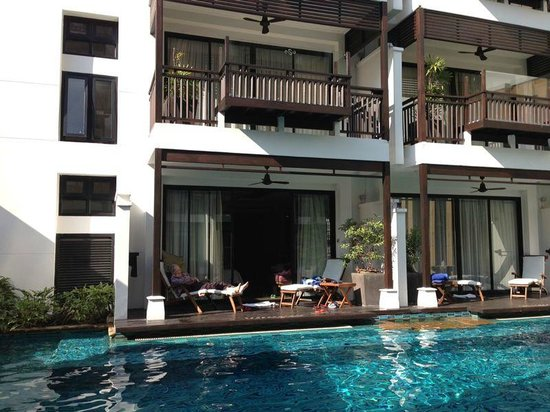 RarinJinda Wellness Spa Resort : our rooms (poolside access and the 2nd floor)