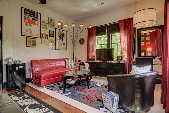 Lane Street Inn Shelbyville: Frank Sinatra Room 2014