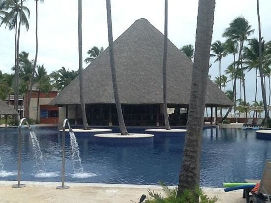 Barcelo Bavaro Beach - Adults Only: pool and bar