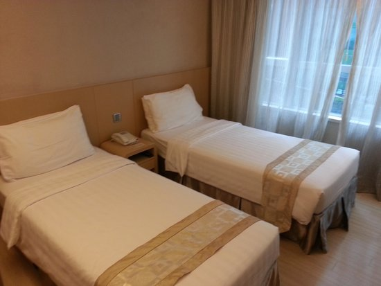 Hotel Benito: Double Single Bed Room