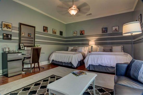 Lane Street Inn Shelbyville: Sammy Davis Jr Room 2014