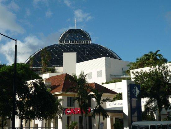 Pullman Reef Hotel Casino: Reef Casino and Pullman Hotel