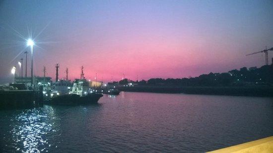 Darwin Wharf Precinct: Sunset at the Harbour