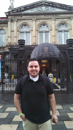 Teatro Nacional Costa Rica: My husband in front of the Theatre
