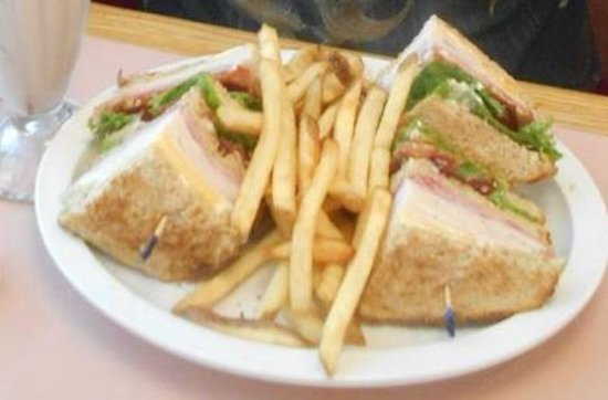 Big Al's Restaurant and Grill: Turkey Club.. huge Sandwich....Very Good !!