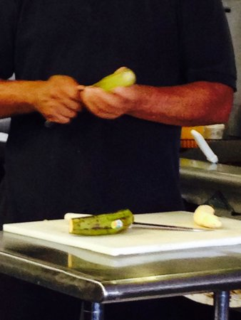 Maracas : Making our tostones
