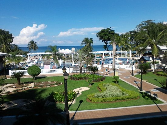 Hotel Riu Palace Tropical Bay : View from the lobby bar Cubano